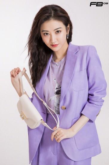 景甜紫色西装时尚写真图片