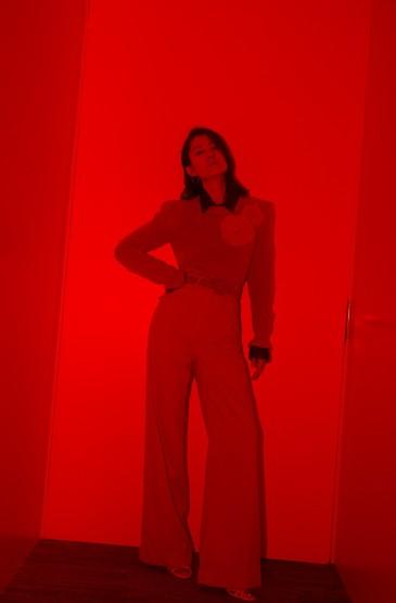 刘敏涛红色套装气质写真