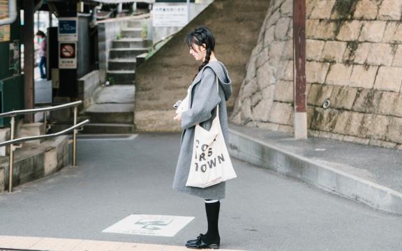日系文艺少女学生制服清纯唯美街拍
