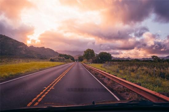 筆直的公路風景高清桌面