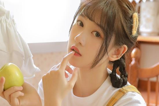 清甜可爱美少女图片桌面壁纸
