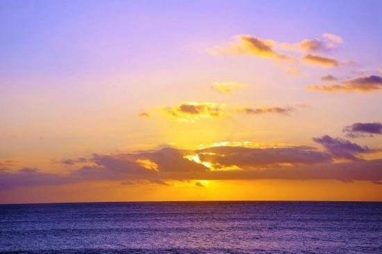 波澜壮阔的海洋风光桌面壁纸