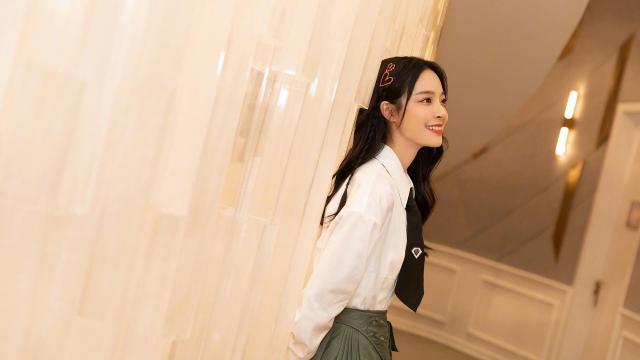 <美女主持人李莎旻子甜美写真