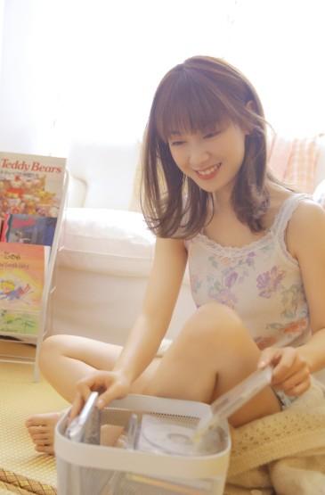 <丝袜美女白皙诱人美腿性感写真
