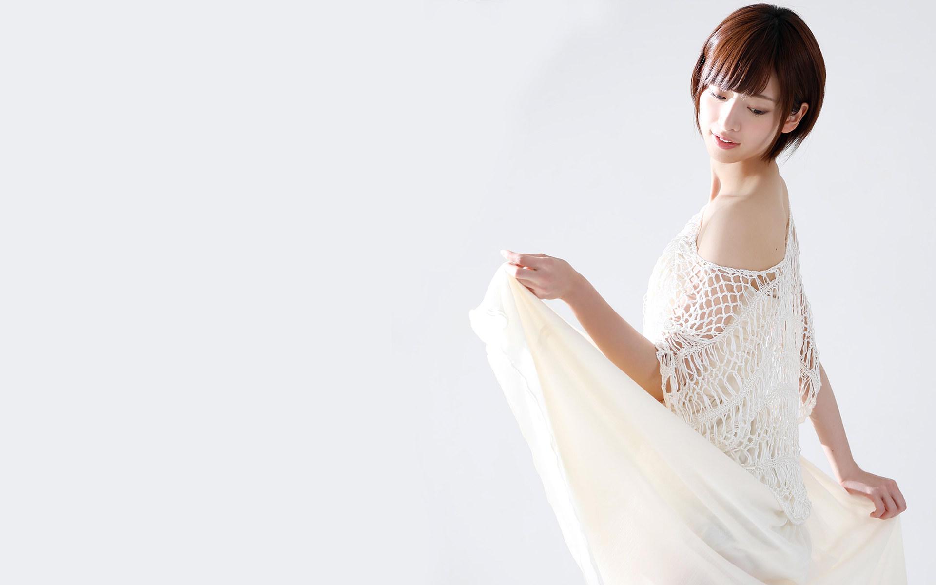 日本美女桥本奈奈性感写真桌面壁纸