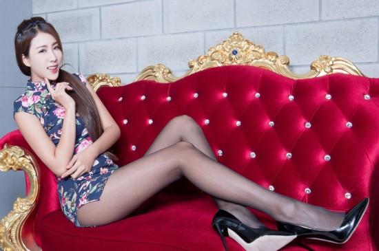 <高跟黑丝长腿旗袍美女性感宽屏电脑壁纸