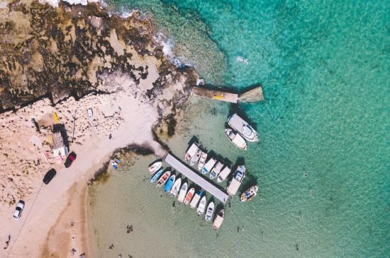 航拍岛屿风景桌面壁纸图片