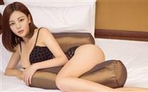 性感黑色情趣内衣美少妇桌面壁纸