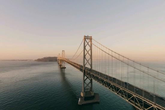 雄伟壮观的桥梁图片高清桌面壁纸