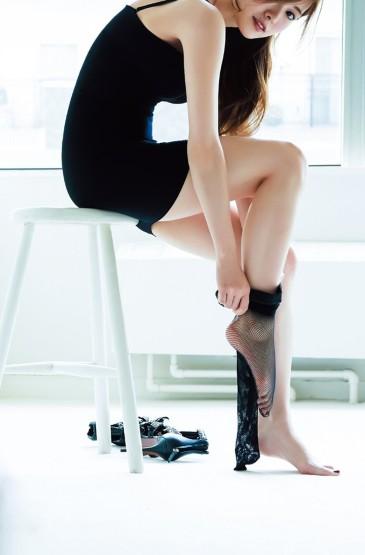 日本女星白石麻衣性感诱惑写真手机壁纸