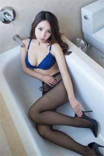 <少婦浴缸內衣美乳黑絲襪誘惑蘋果手機壁紙