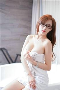 <妖娆浴室浴巾美女大尺度高清手机壁纸