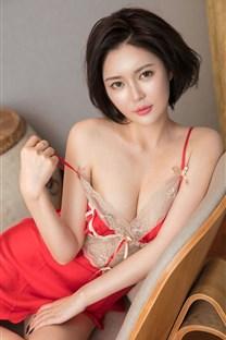 <极品短发气质美女S型身材蕾丝写真