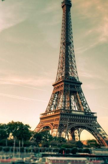 <巴黎埃菲尔铁塔手机锁屏壁纸大全