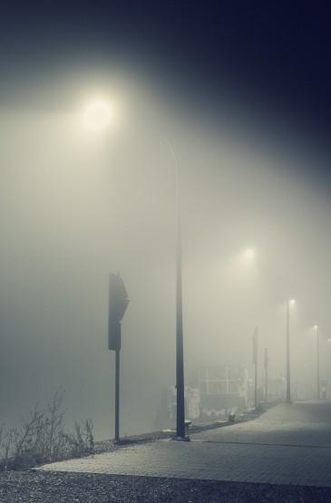 城市夜晚雾霾图片壁纸下载