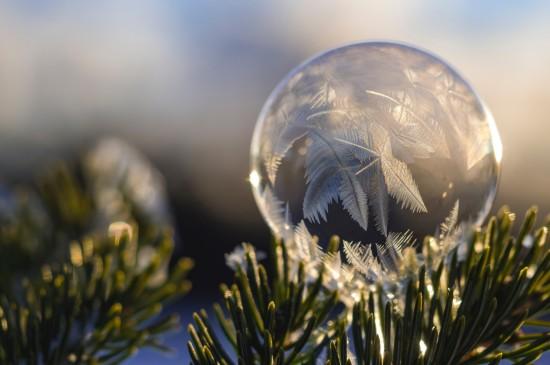 透明玻璃球唯美静物图片