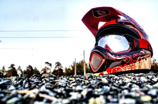 摩托车安全头盔帅气创意