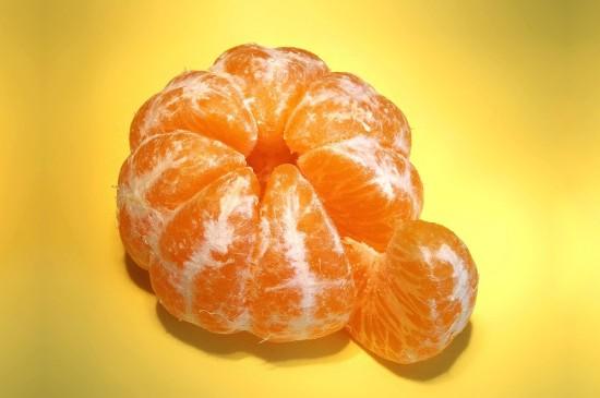 新鲜多汁的芦柑图片