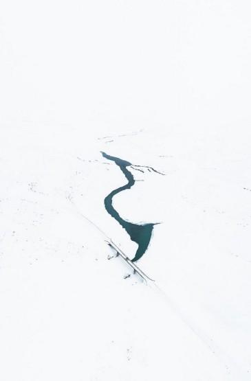 冰岛唯美雪景风光锁屏壁纸