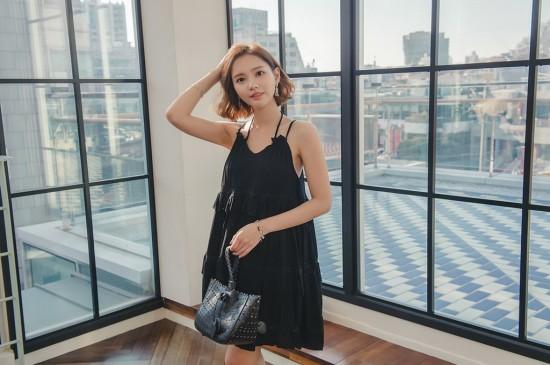 <韩国短发美女清纯写真桌面壁纸