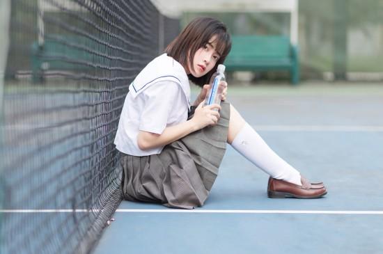 <日系清纯美女学生制服写真图片高清壁纸