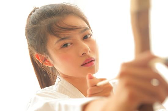 日系弓箭少女唯美高清桌