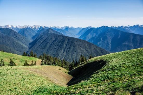 护眼山林自然风景图片桌面壁纸