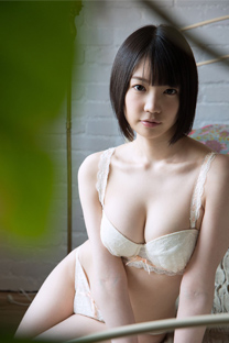 日本清纯女星铃木心春内