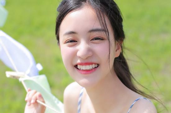 <夏日少女唯美写真高清桌面壁纸 第一辑