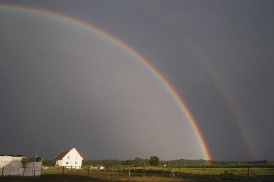 绚丽唯美的彩虹图片高清壁纸