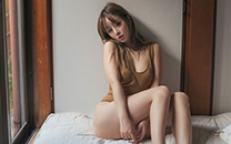 居家丰满美女高清性感巨乳诱人写真桌面壁纸
