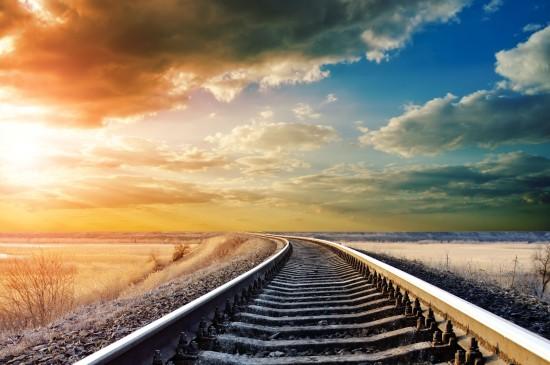 唯美意境铁路轨道风景图片壁纸