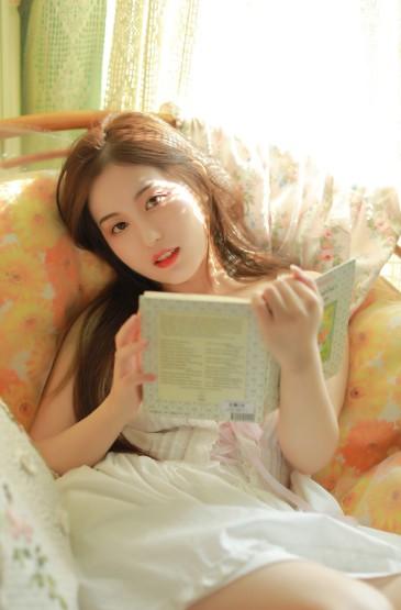 牛奶肌美女性感白嫩私房写真图片