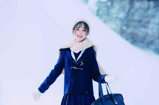 <清纯日系美女冬日高清桌面壁纸