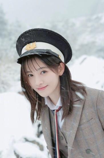 <鞠婧祎冬季唯美写真图片手机壁纸