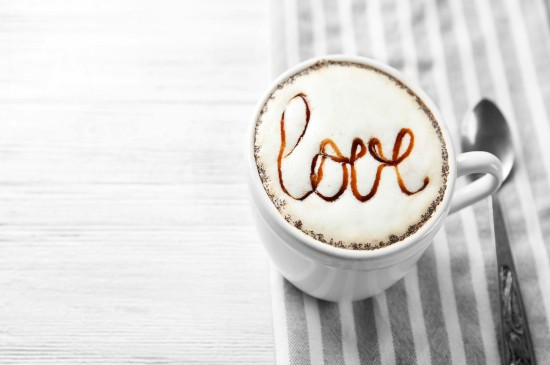 <精美的咖啡拉花高清桌面壁纸