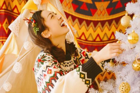 圣诞平安夜美女写真高清桌面壁纸