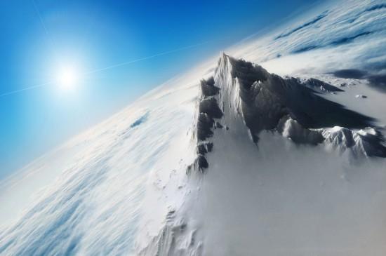 巍峨险峻雪山风景桌面壁