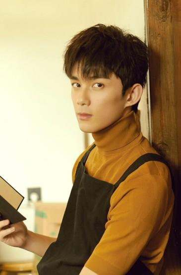 <吴磊阳光帅气手机壁纸图片