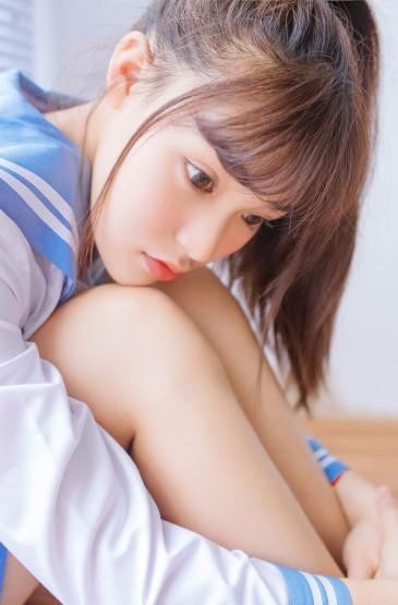 台湾学生妹清新蓝色制服性感诱惑写真