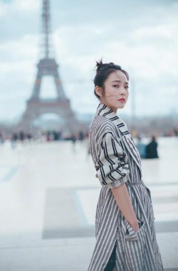 <张佳宁巴黎时装周简约优雅写真图片