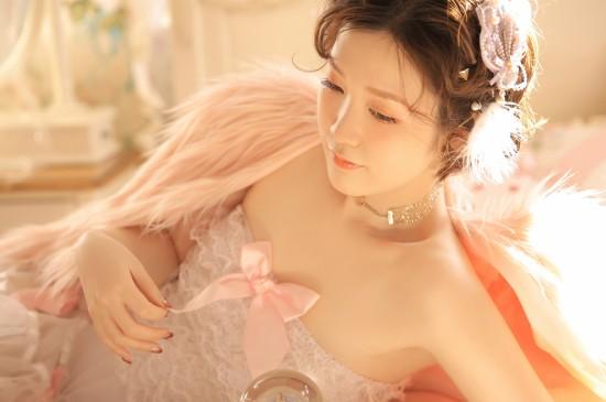 粉红女郎性感写真高清桌