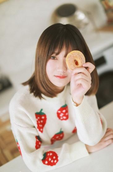 <白嫩美女长腿诱惑私房写真图片