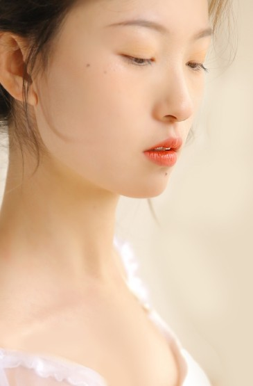 <舞蹈美女白嫩性感美女尤物图片