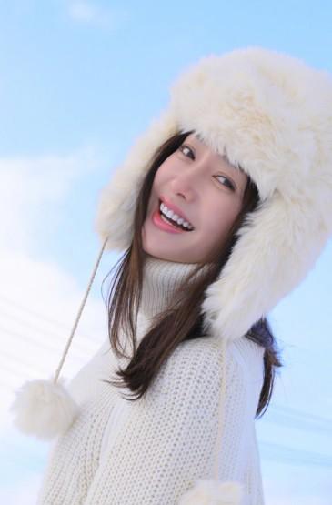 <秦岚冬季唯美气质写真图片手机壁纸