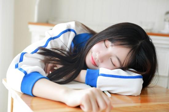校服美女学生妹高清桌面壁纸图片