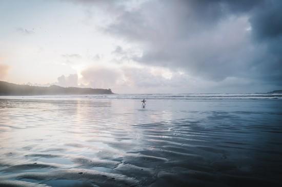 巍峨高山湖泊图片桌面壁纸