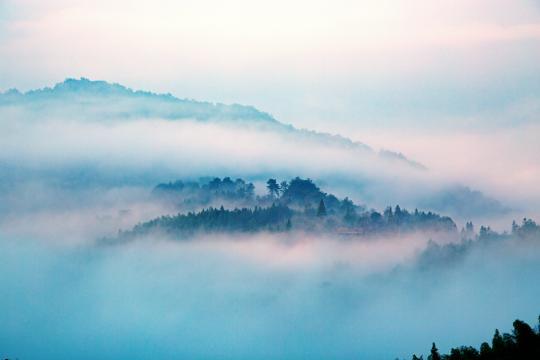 徽州晨雾是如此的迷人
