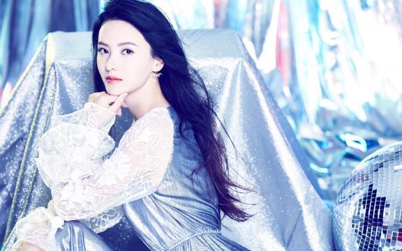 张芷溪时尚性感写真