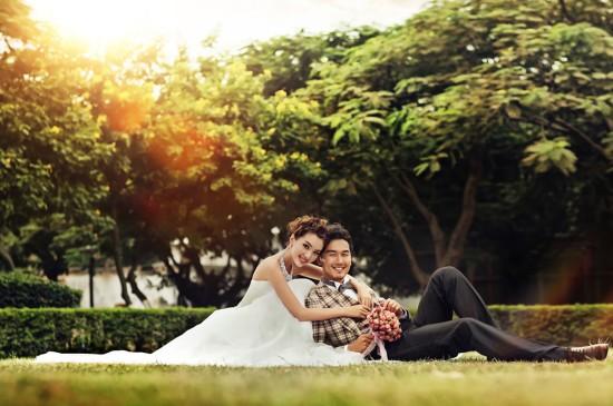 甜蜜瞬间幸福婚纱壁纸图